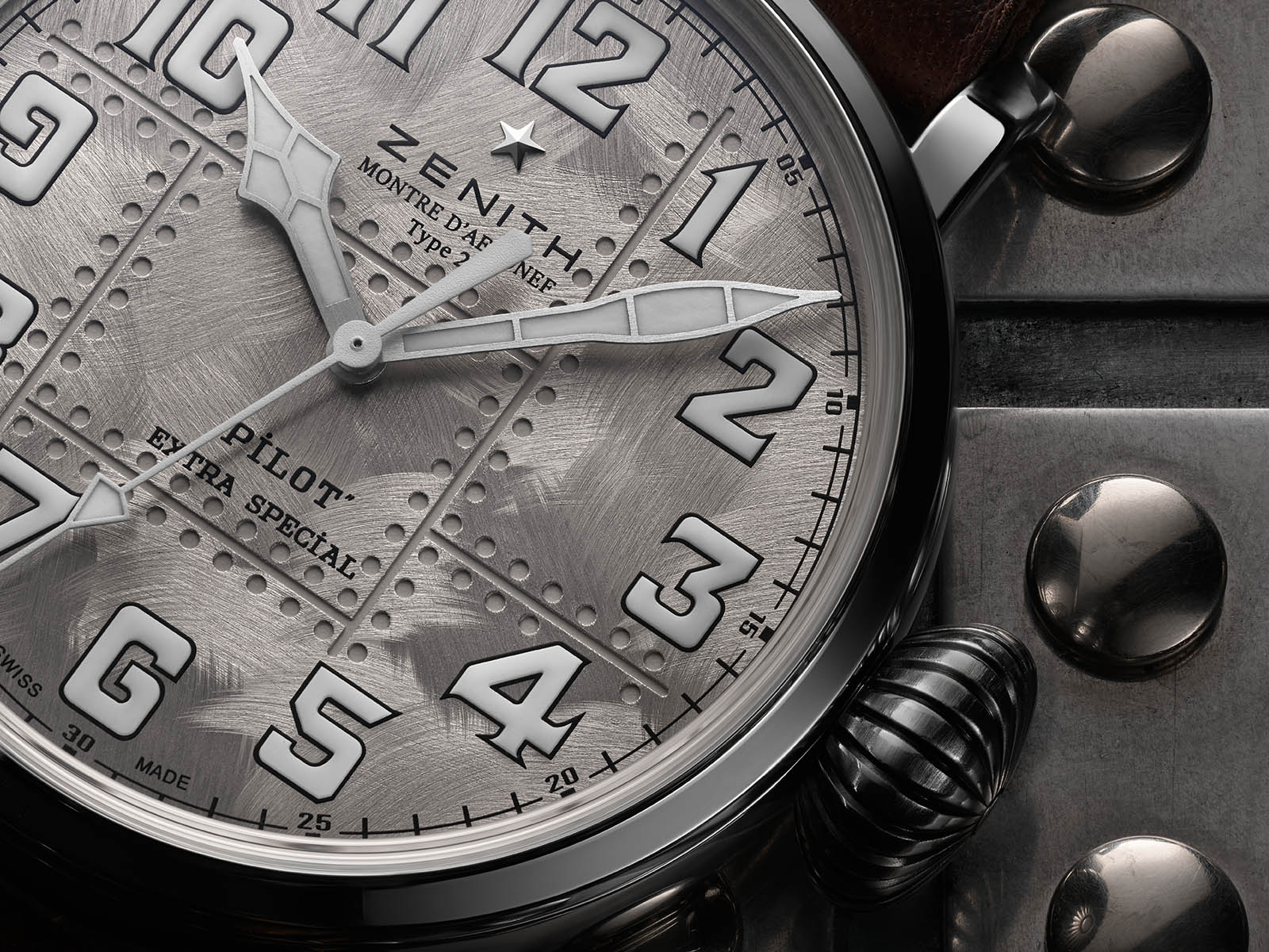 05-2430-679-17-c902-zenith-pilot-type-20-extra-special-silver-3.jpg