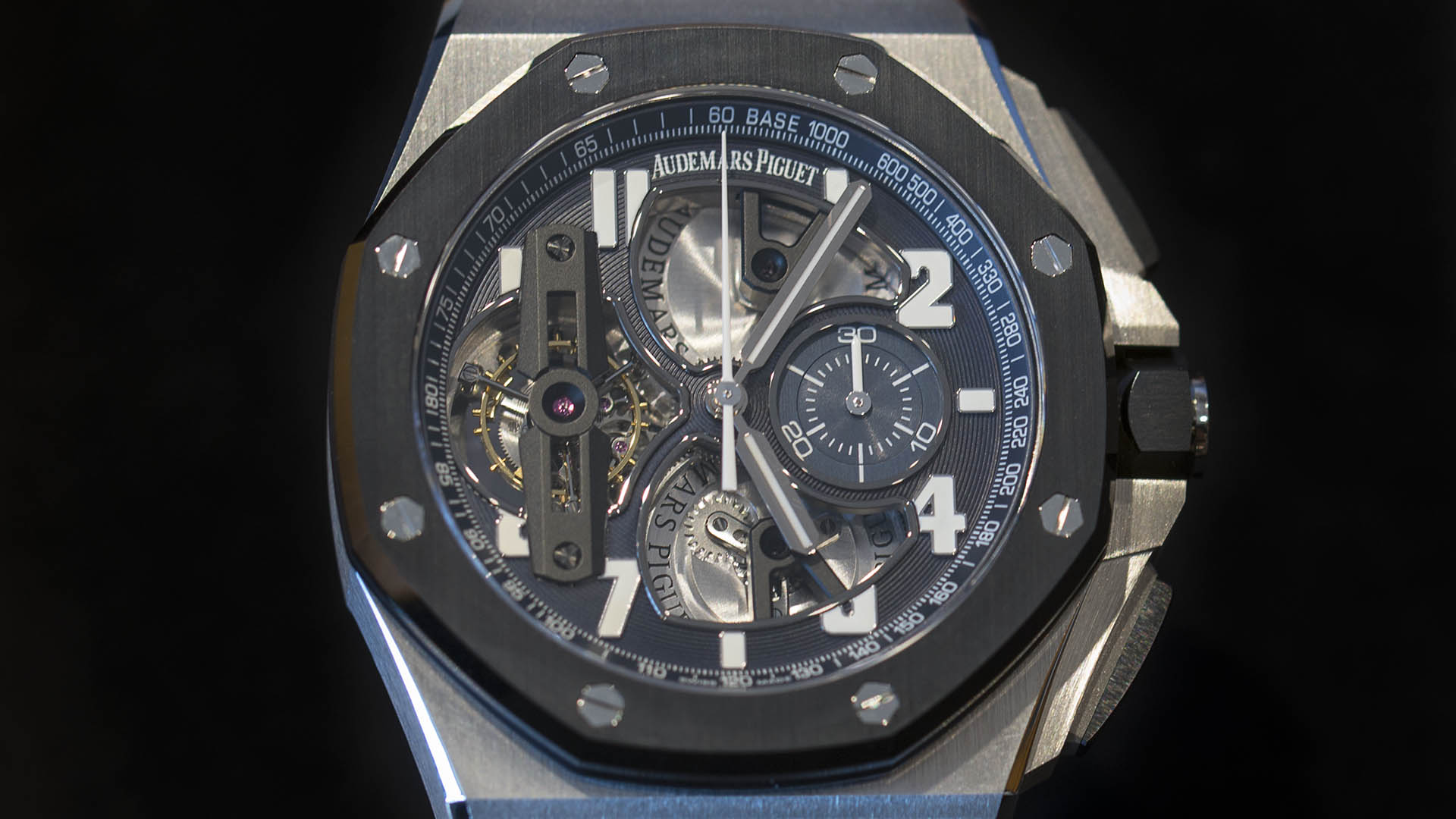 ROYAL_OAK_OFFSHORE_TOURB-LLON_CHRONOGRAPH_26388PO-OO-D027CA-01_1.jpg