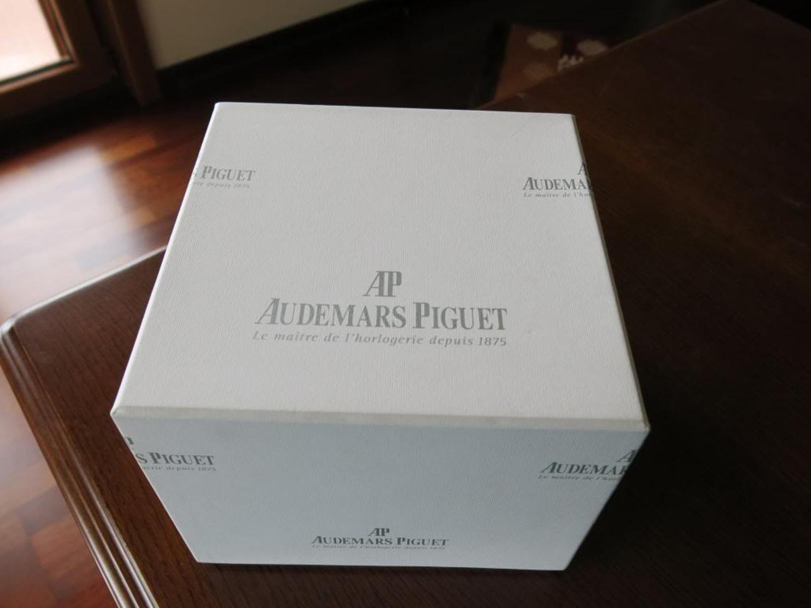 audemars-piguet-royal-oak-jumbo-2.jpg