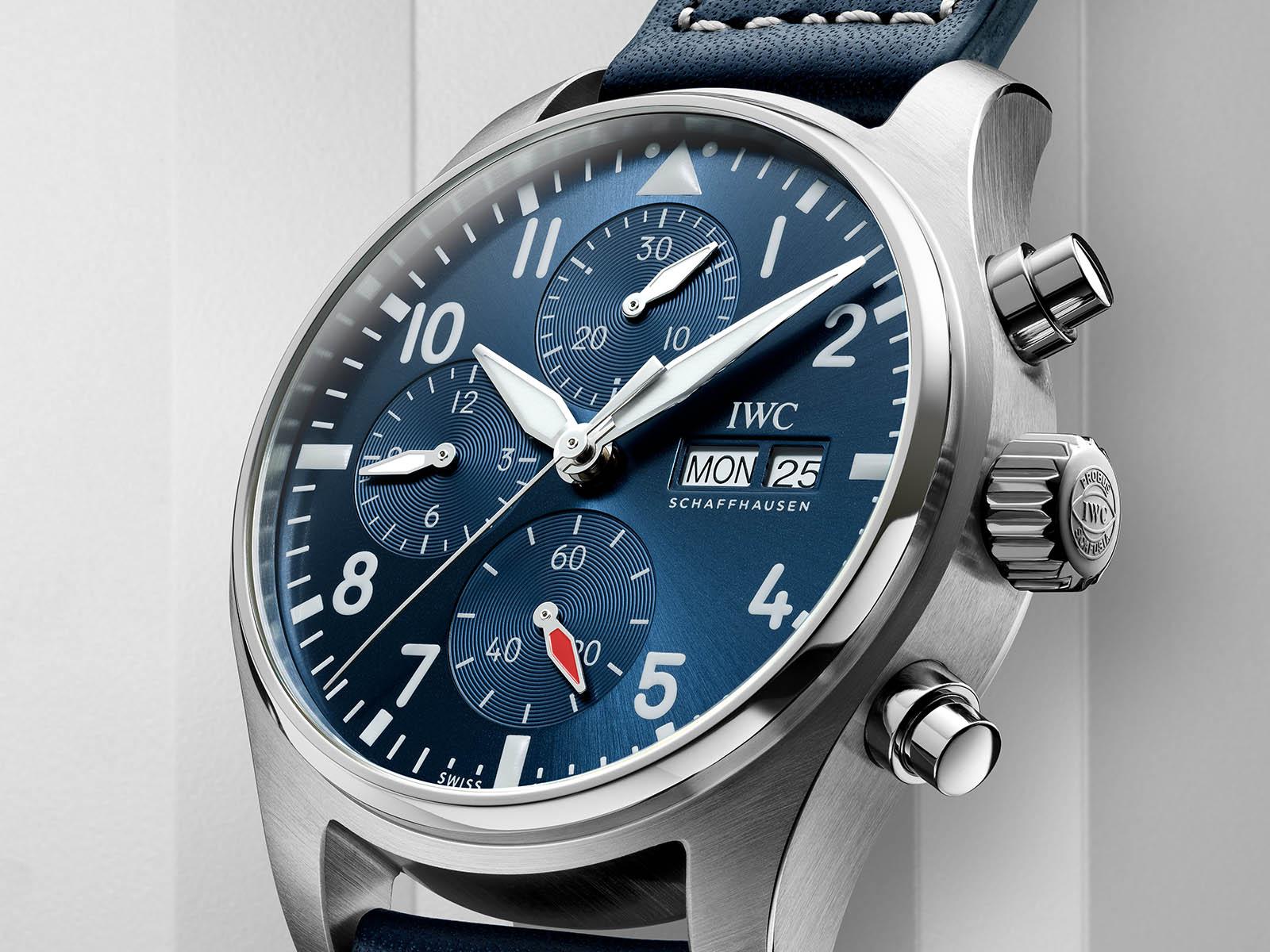iw388101-iwc-pilot-s-watch-chronograph-41-2.jpg