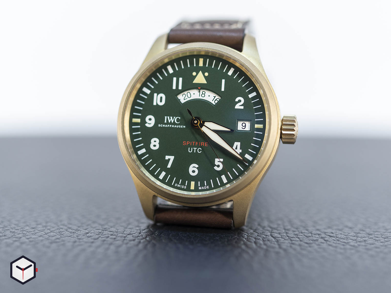iw327101-iwc-pilot-s-watch-utc-spitfire-edition-mj271-2.jpg