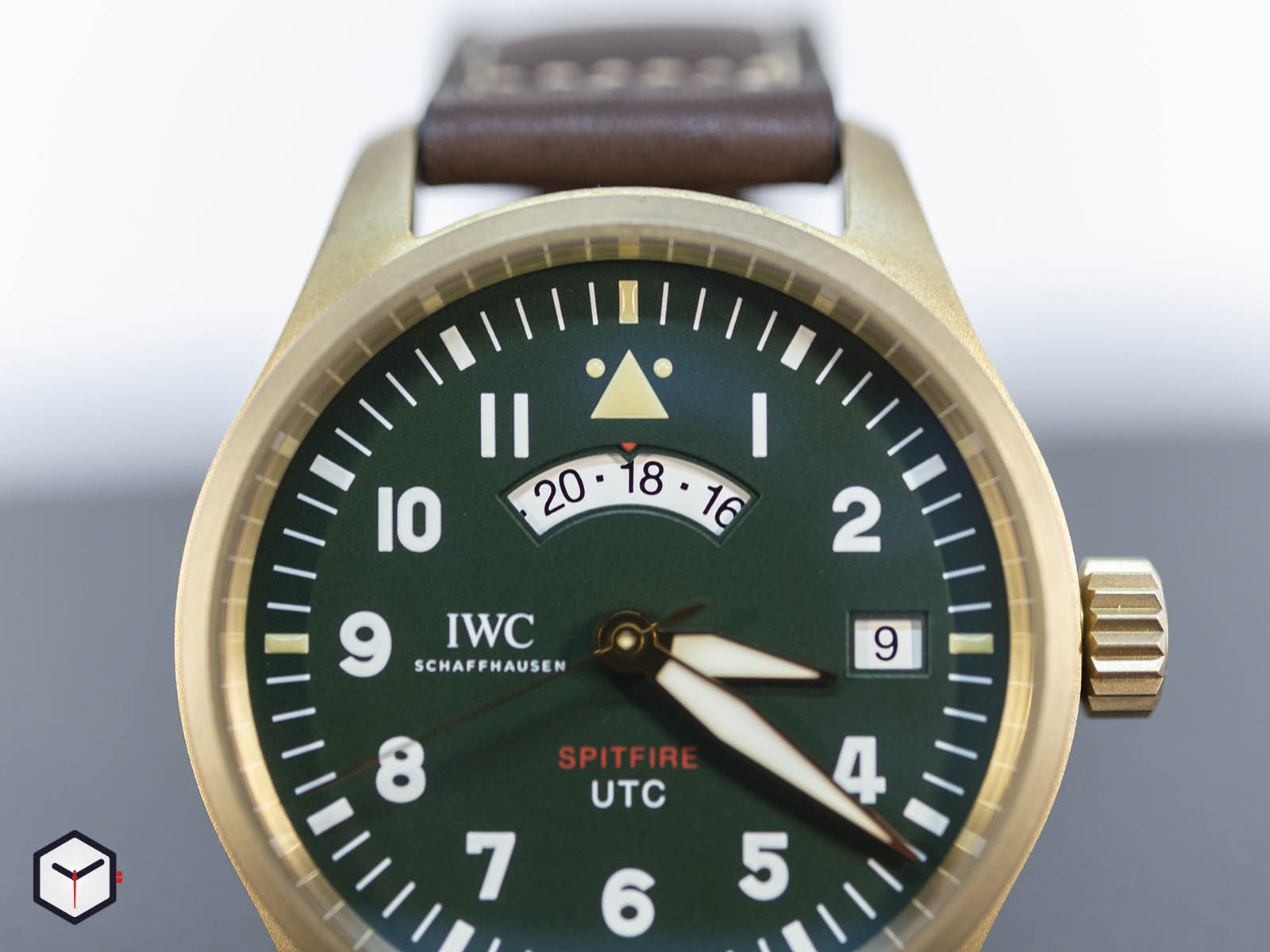 iw327101-iwc-pilot-s-watch-utc-spitfire-edition-mj271-4.jpg