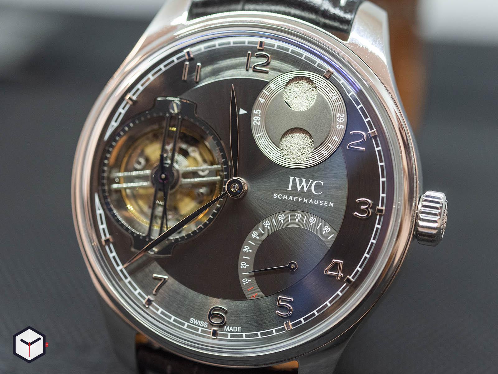 iwc-portugieser-constant-force-tourbillon-platinum-3.jpg