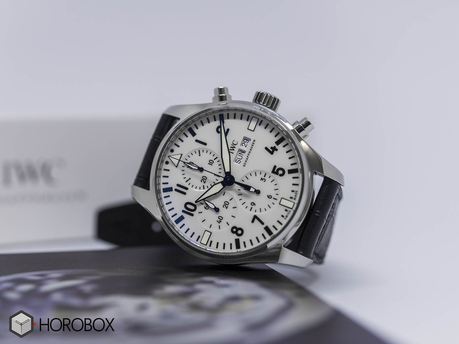 iw377725-iwc-pilots-watch-chronograph-150-5.jpg