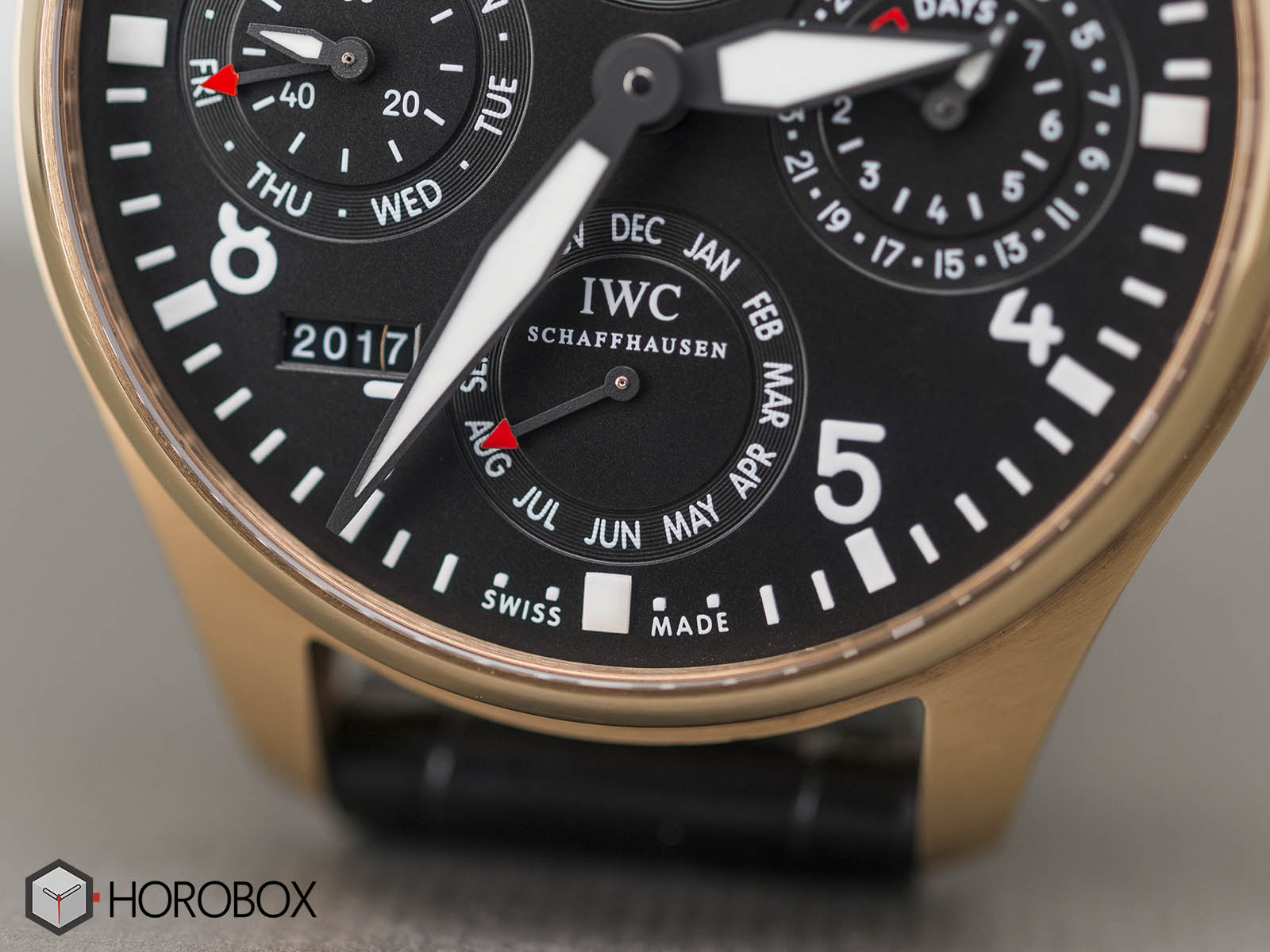 iwc-big-pilot-perpetual-calendar-18k-red-gold-limited-edition-iw502628-3.jpg