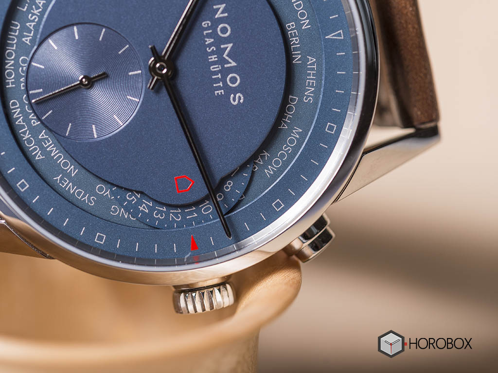 nomos-world-timer-function-807-7-.jpg