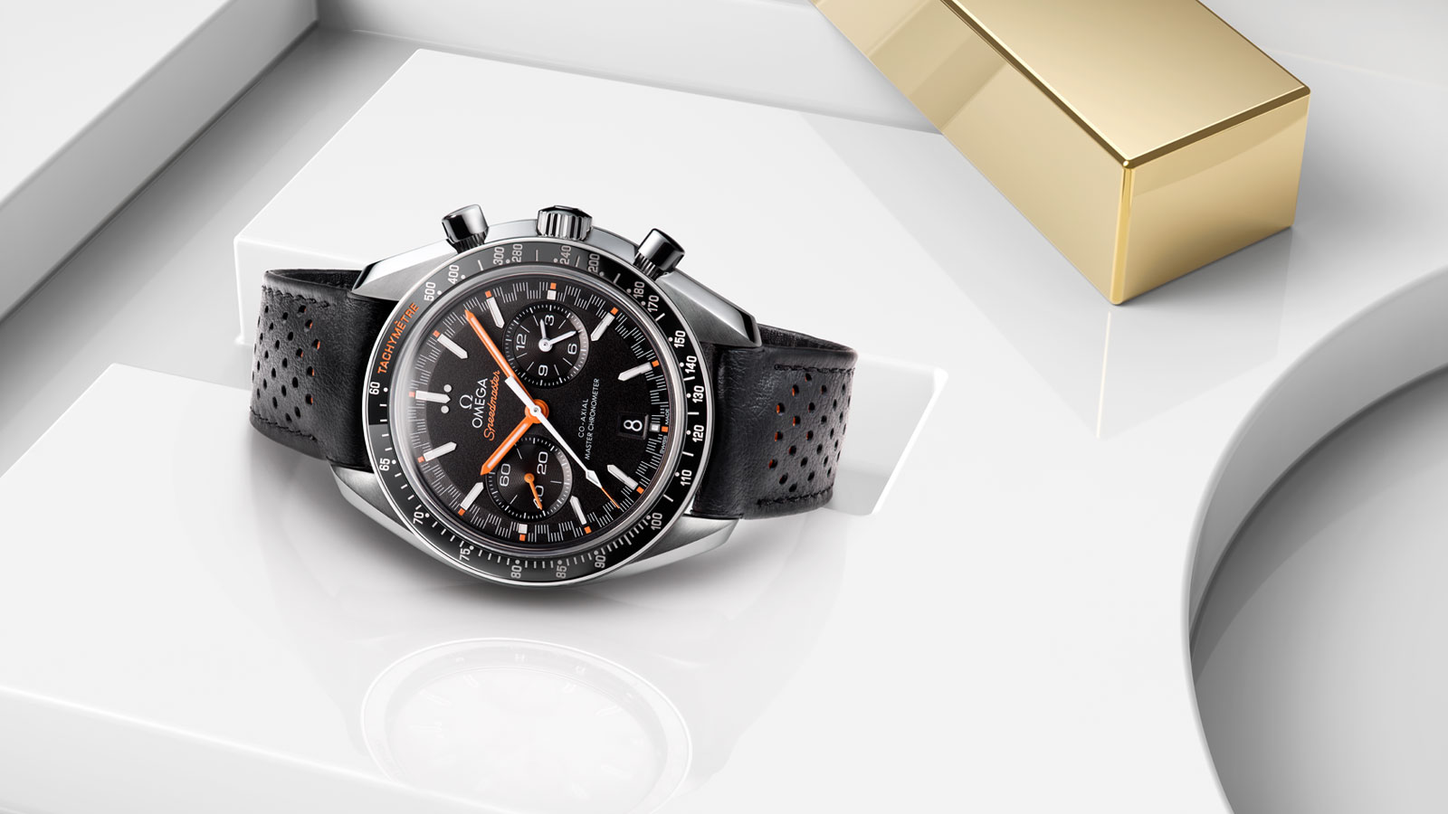 omega-speedmaster-racing-master-chronometer-4.jpg