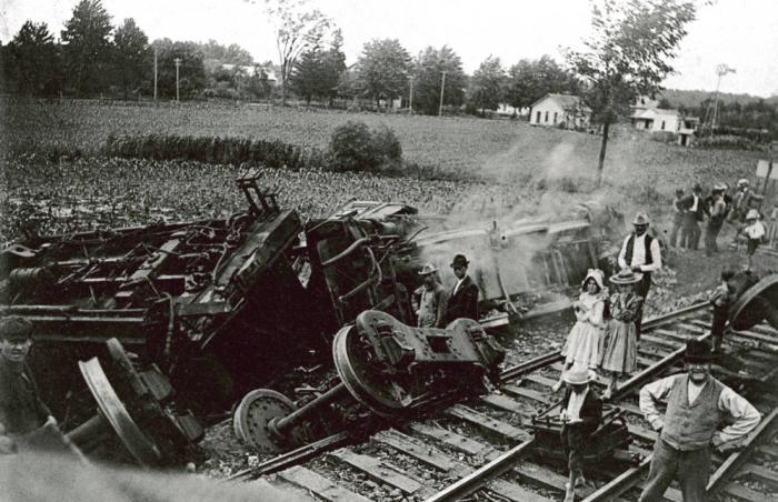 ohio-trian-crash.jpg
