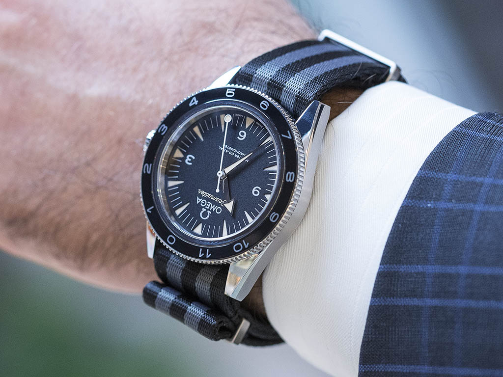 SEAMASTER_300_OMEGA_MASTER_CO-AX-AL_41-MM_-22SPECTRE-22_Limited_Edition_233-32-41-21-01-001_5.jpg