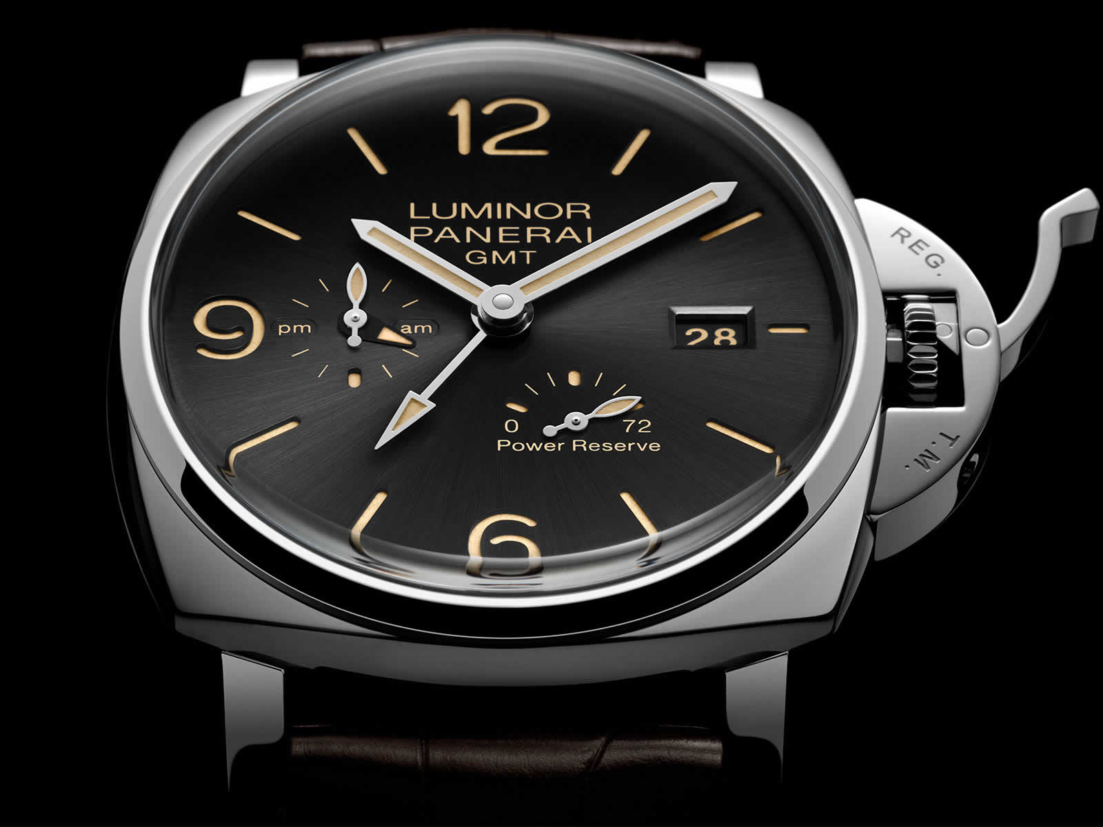 Panerai-Luminor-Due-3-Days-Gmt-Power-Reserve-Automatic-Pam00944-Sihh-2018-2.jpg