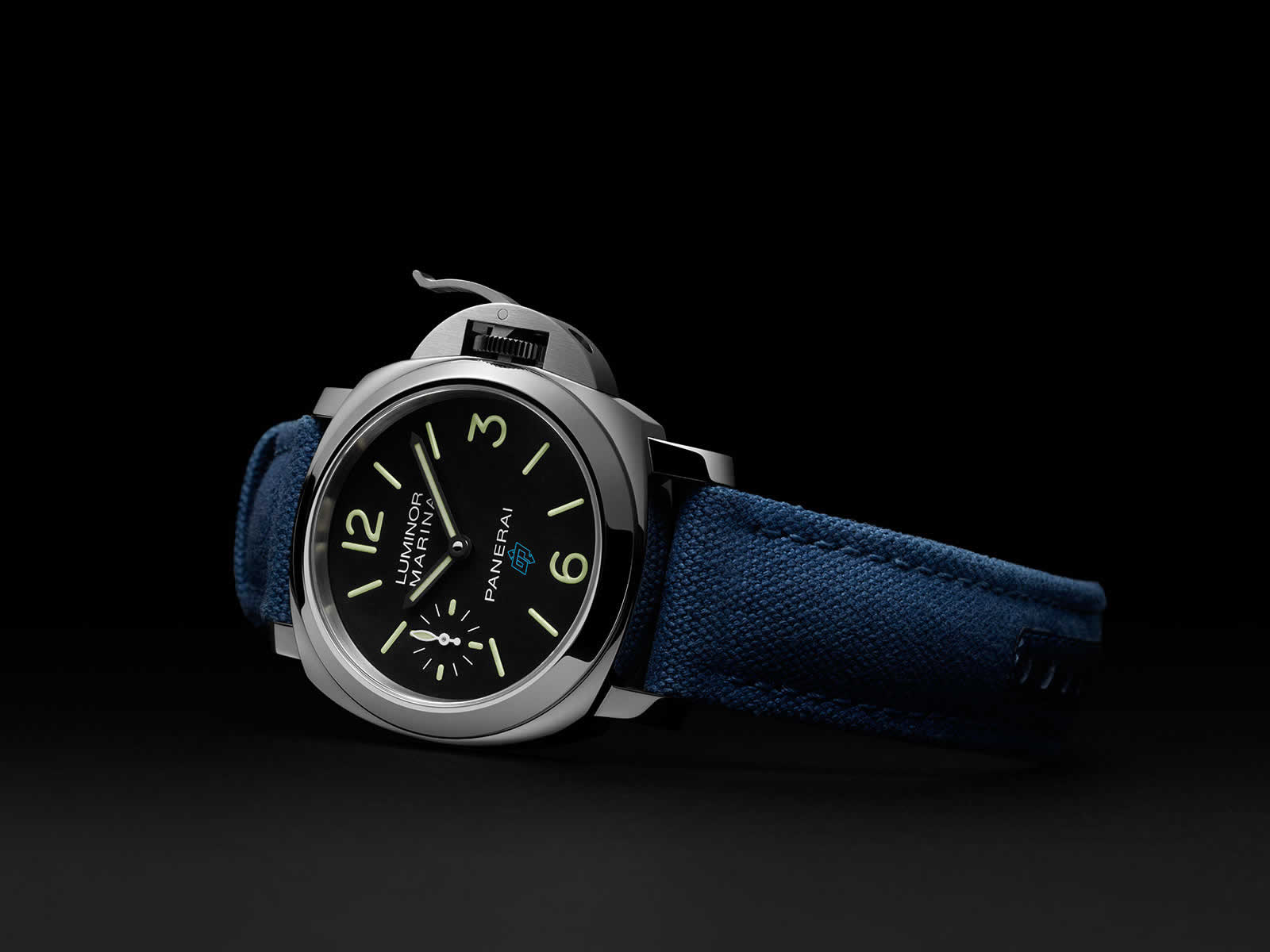 Panerai-Luminor-Marina-Logo-3-Days-Pam00777-Sihh2018-6.jpg