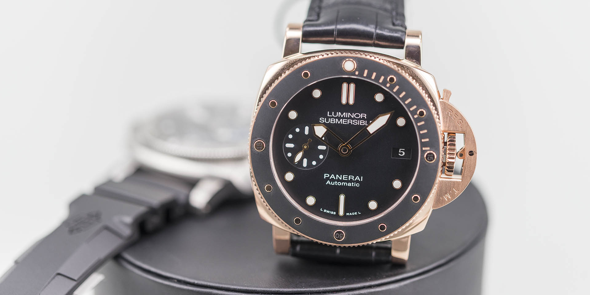 panerai-luminor-1950-submersible-pam00682-pam00684-10.jpg