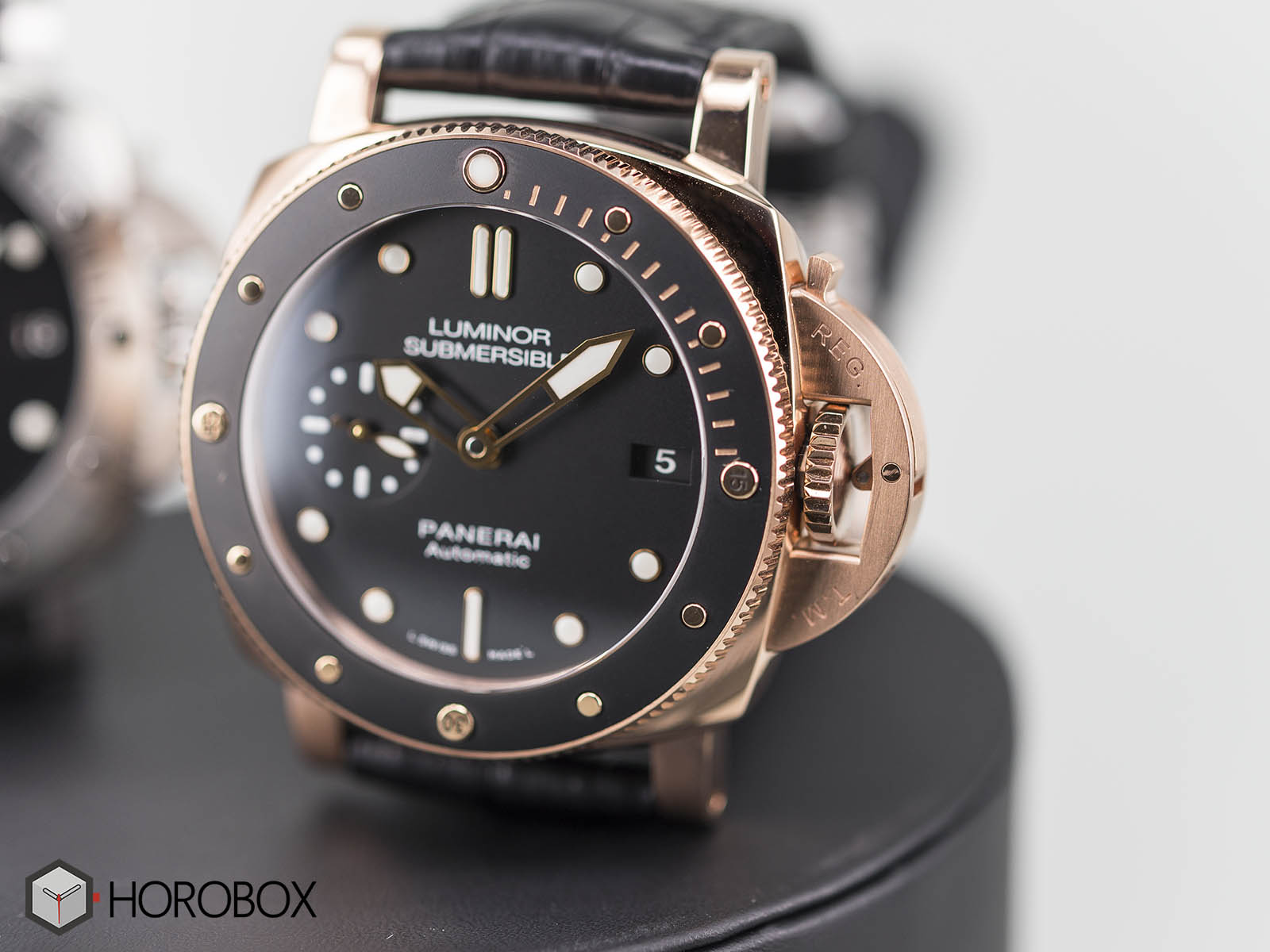 panerai-luminor-1950-submersible-pam00682-pam00684-4.jpg