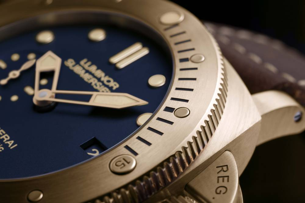 Panerai-Luminor-Submersible-Bronzo-Blue-PAM00671-2.jpg