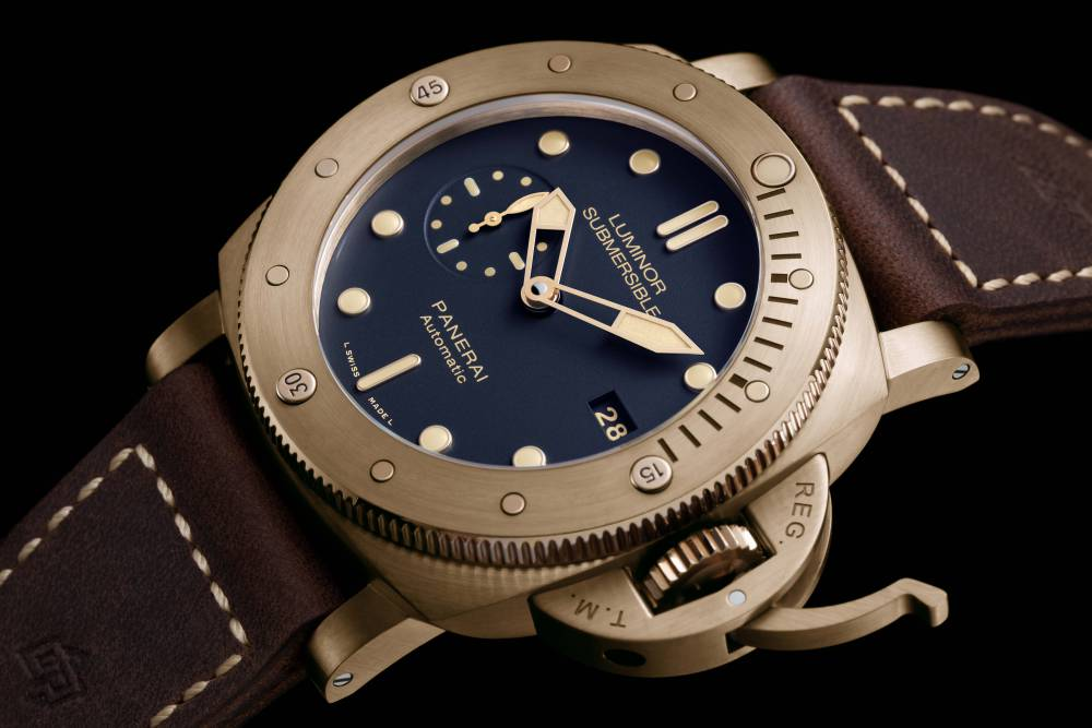 Panerai-Luminor-Submersible-Bronzo-Blue-PAM00671-3.jpg